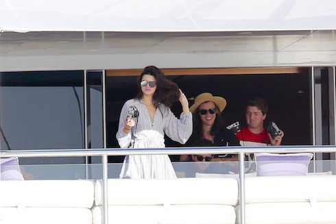 Harry Style and Kendall Jenner enjoy lunch with Ellen DeGenres aboard a Private Yacht in St Barth. Pics taken Jan 1st. Pictured: Harry Styles, Kendall Jenner, Ellen Degeneres, Portia de Rossi Ref: SPL1202275 020116 Picture by: Splash News Splash News and Pictures Los Angeles: 310-821-2666 New York: 212-619-2666 London: 870-934-2666 photodesk@splashnews.com