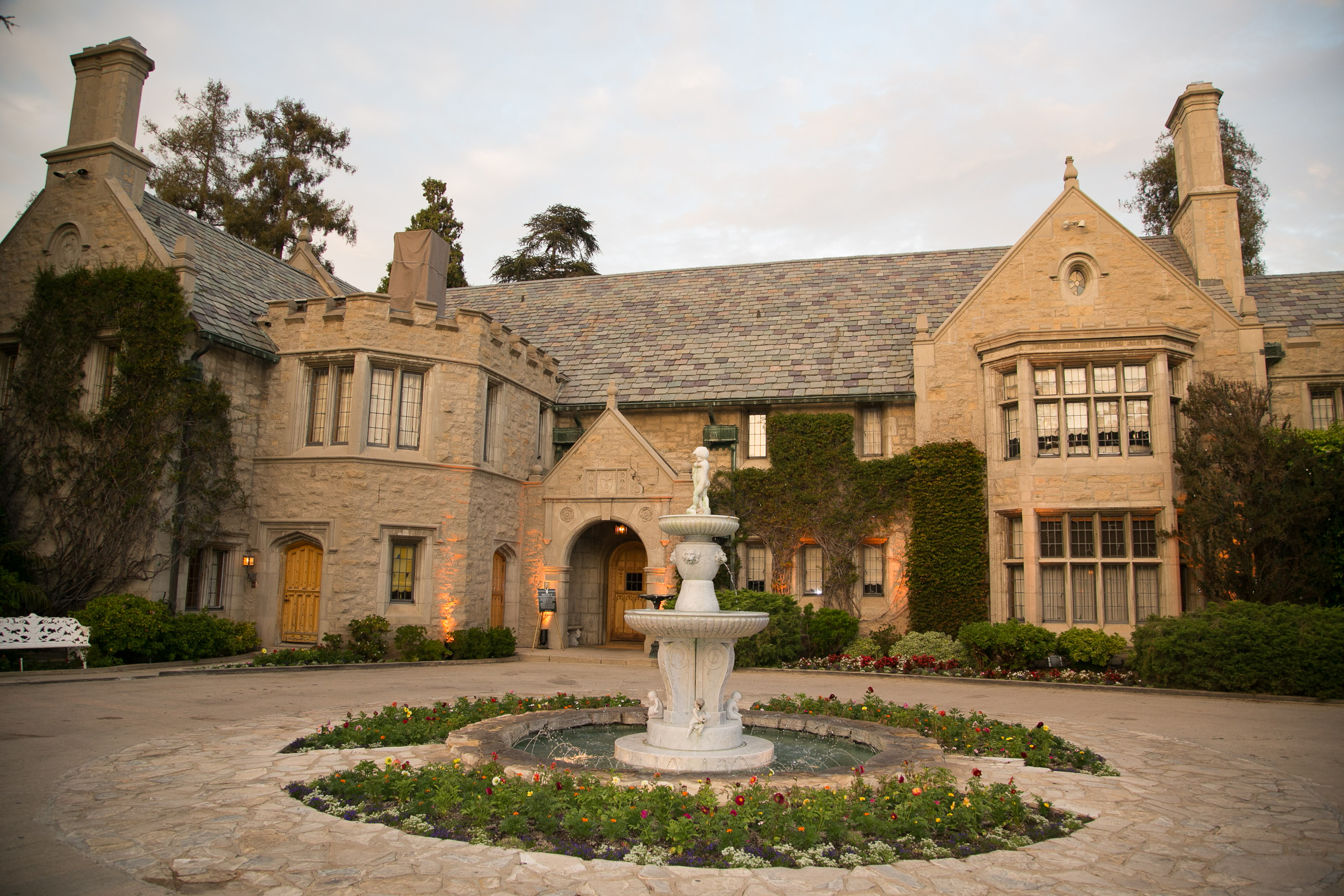 How much does it cost to buy the playboy mansion for Castle style homes for sale