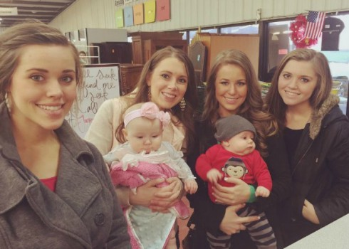 Jana Duggar With Sisters