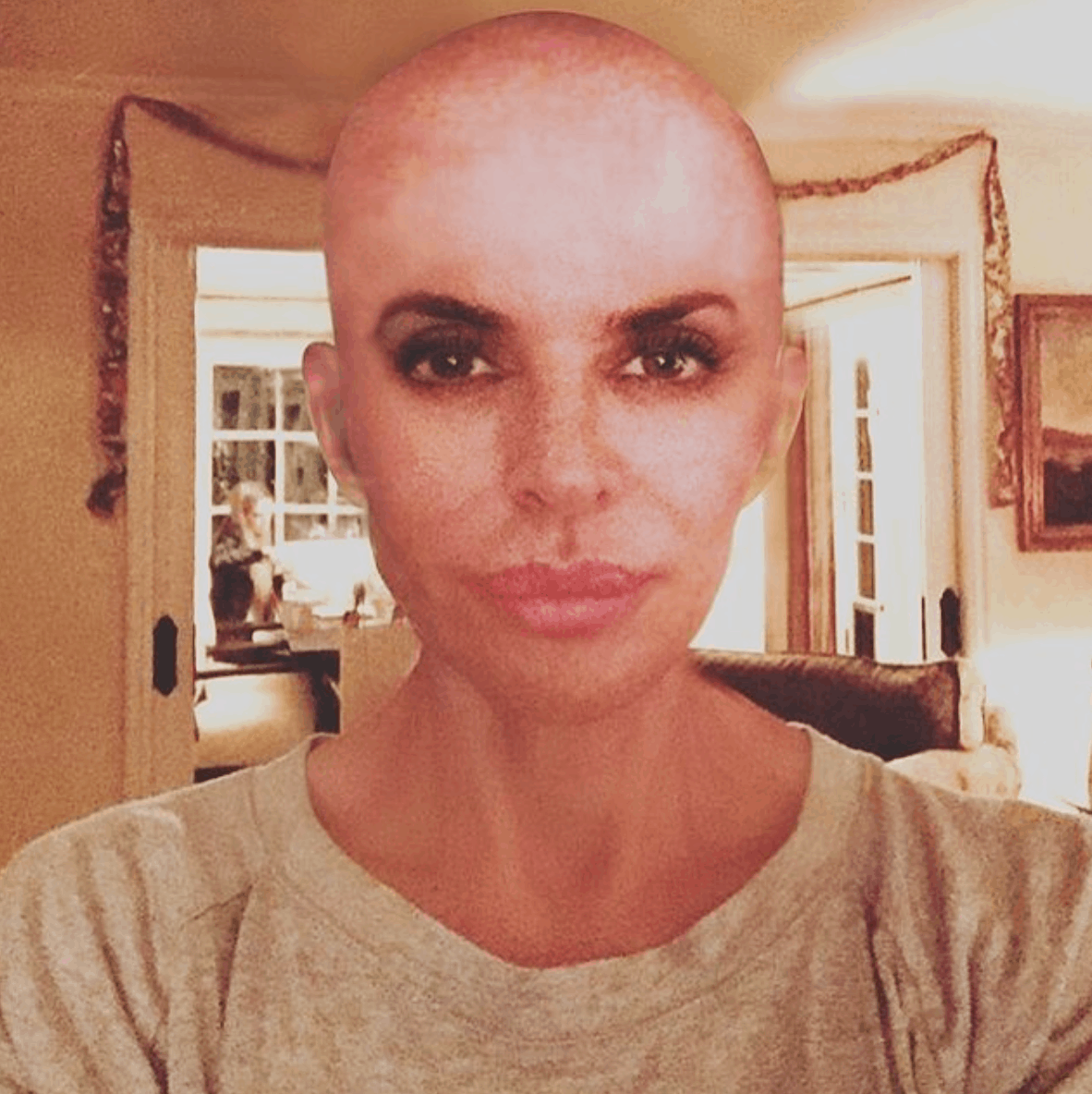 Does Lisa Rinna wear a wig  Is Lisa Rinna bald  dcc6601fb3ff