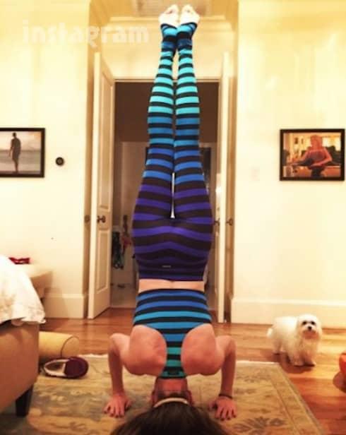 Cary-Deuber-yoga-pants-4-390x490