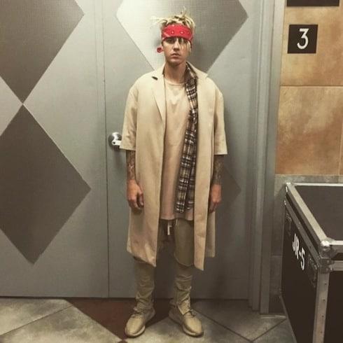 Justin Bieber dating Kourtney Kardashian 1