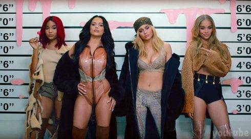 Kylie Jenner lip gloss video