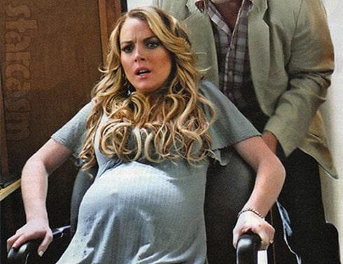 Lindsay Lohan pregnant Labor Pains