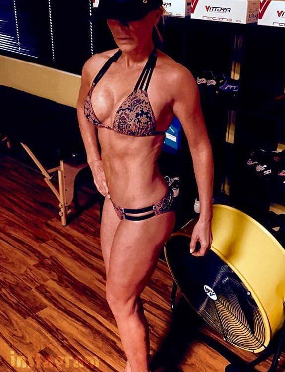 Tamra Judge fitness bikini pose