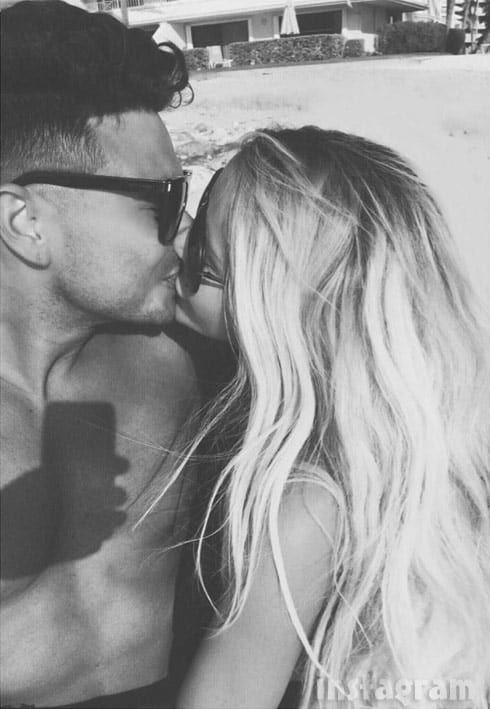 Aubrey O'Day Pauly D together kissing