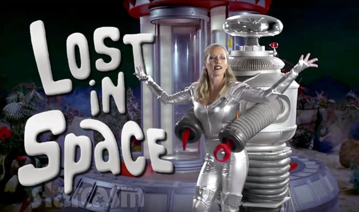 Kendra Wilkinson Lost In Space music video