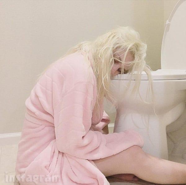 Courtney Stodden pregnant morning sickness