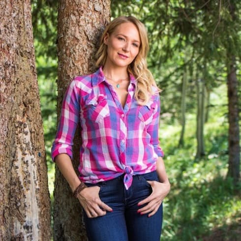 alaska the last frontier cast adds jewel kilcher in season 6 surprise. Black Bedroom Furniture Sets. Home Design Ideas