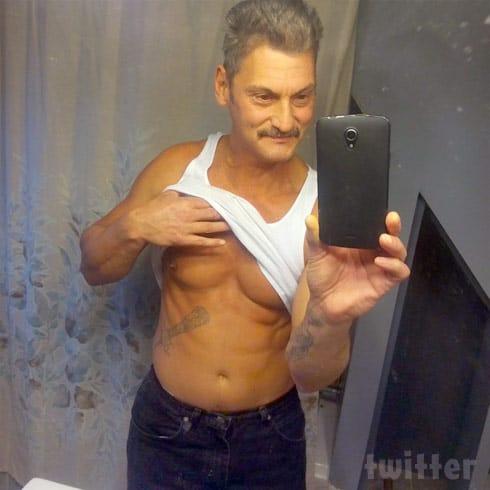 Butch Baltierra abs selfie