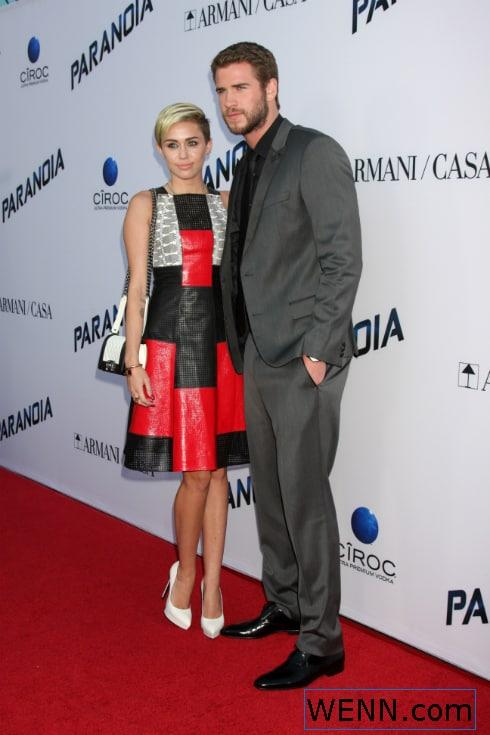 Miley Cyrus pansexual, Liam Hemsworth relationship still on