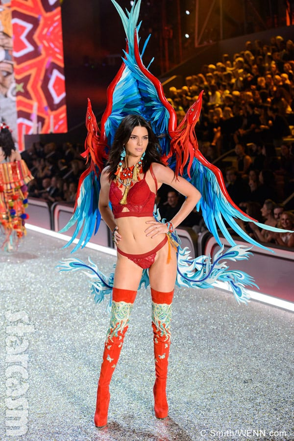 Kendall Jenner 2016 Victoria's Secret Fashion Show