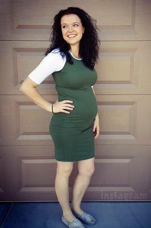 Pregnant Maddie Brown Brush