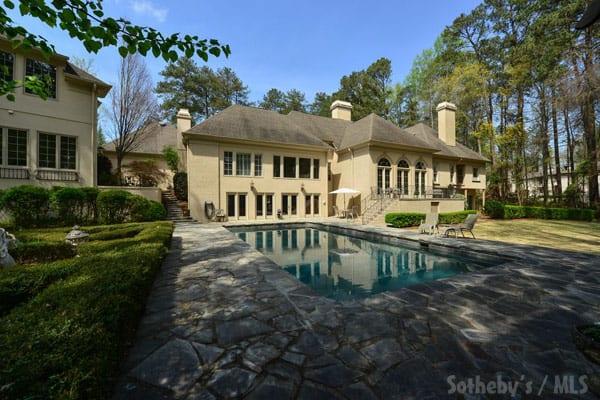 Phaedra Parks new house backyard pool