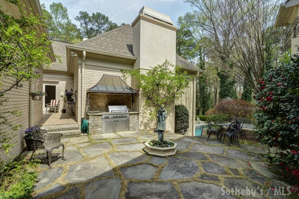 Phaedra Parks new house exterior courtyard
