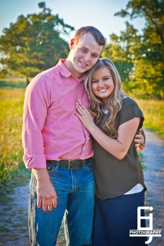 View More: http://elizabethjoyphoto.pass.us/joseph-duggar--kendra-caldwell-engagement-portraits-watermark-1