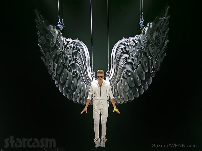 Justin Bieber angel wings