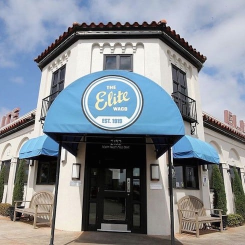 Fixer Upper restaurant Elite Cafe front door