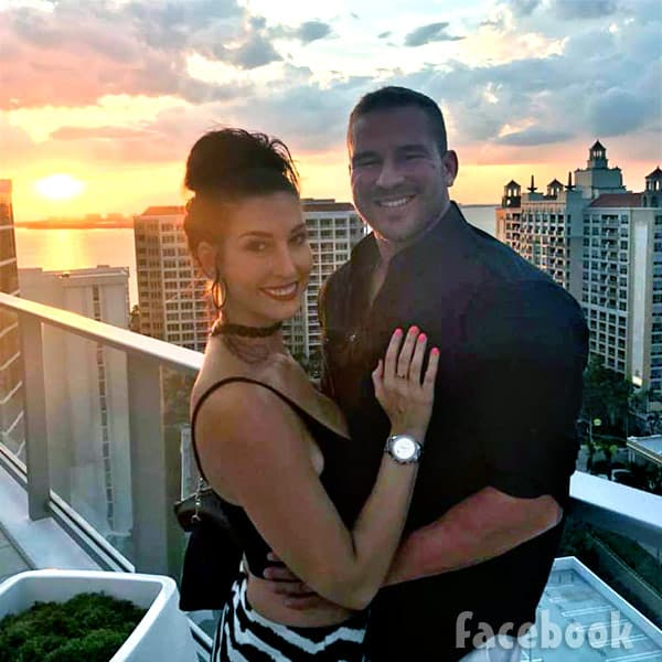 Nathan Griffithand girlfriend Ashley Lanhardt sunset photo