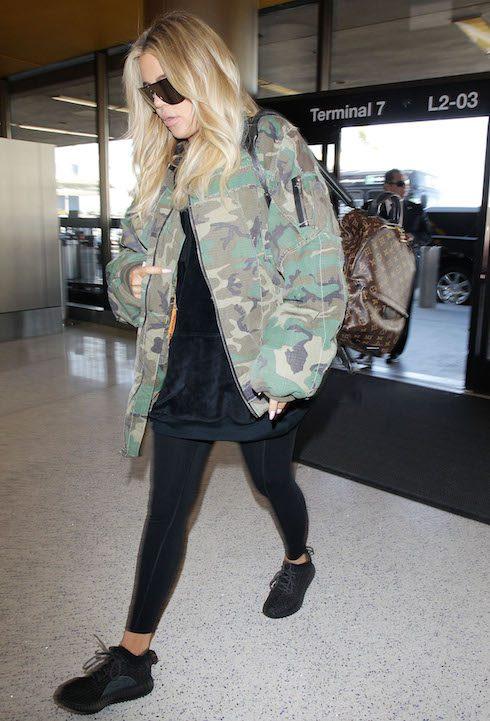 Klhoe Kardashian arriving at LAX