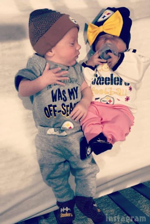 Lindsey Nicholson twins Paisley and Jackson together 2018