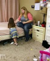 90 Day Fiance Happily Ever After Nicole's messy hotel room apartment