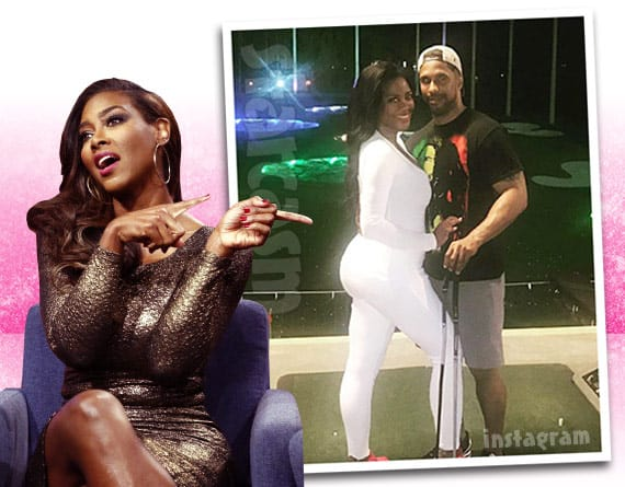 Is Kenya Moore faking her pregnancy? Deletes baby bump photo from Instagram