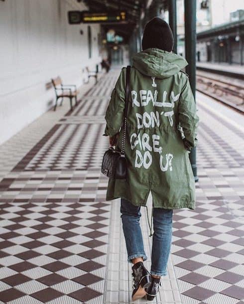 Melania's jacket doesn't care 1