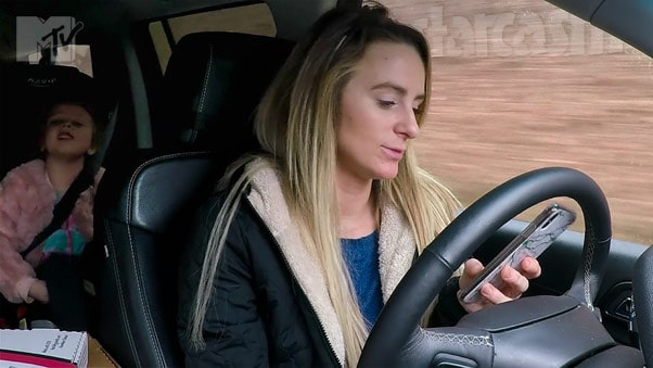 Leah Messer texting and driving on Teen Mom 2
