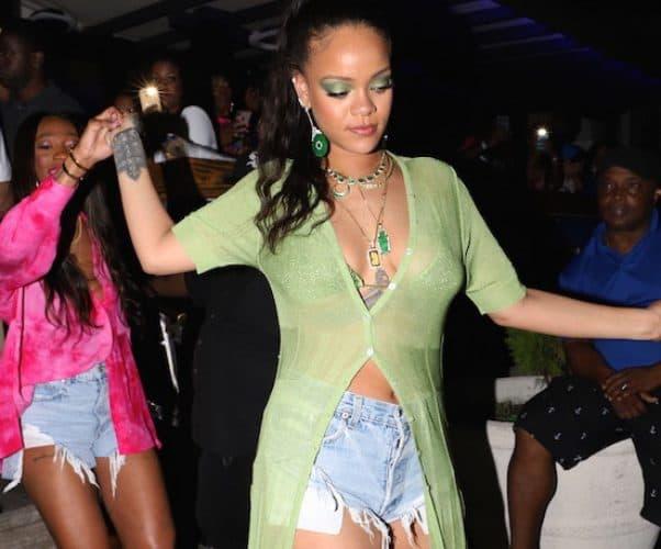 Rihanna getting pregnant 2