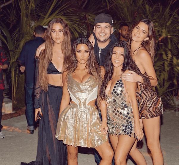 Kardashian Christmas Island 2