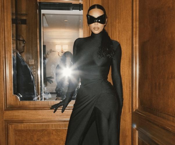 Kim Kardashian hosting SNL 2